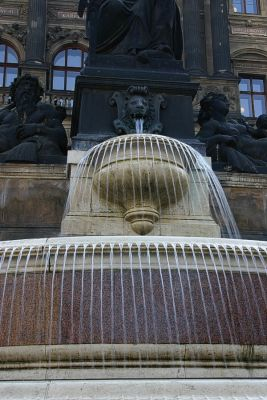 Brunnen vor dem Nationalmuseum